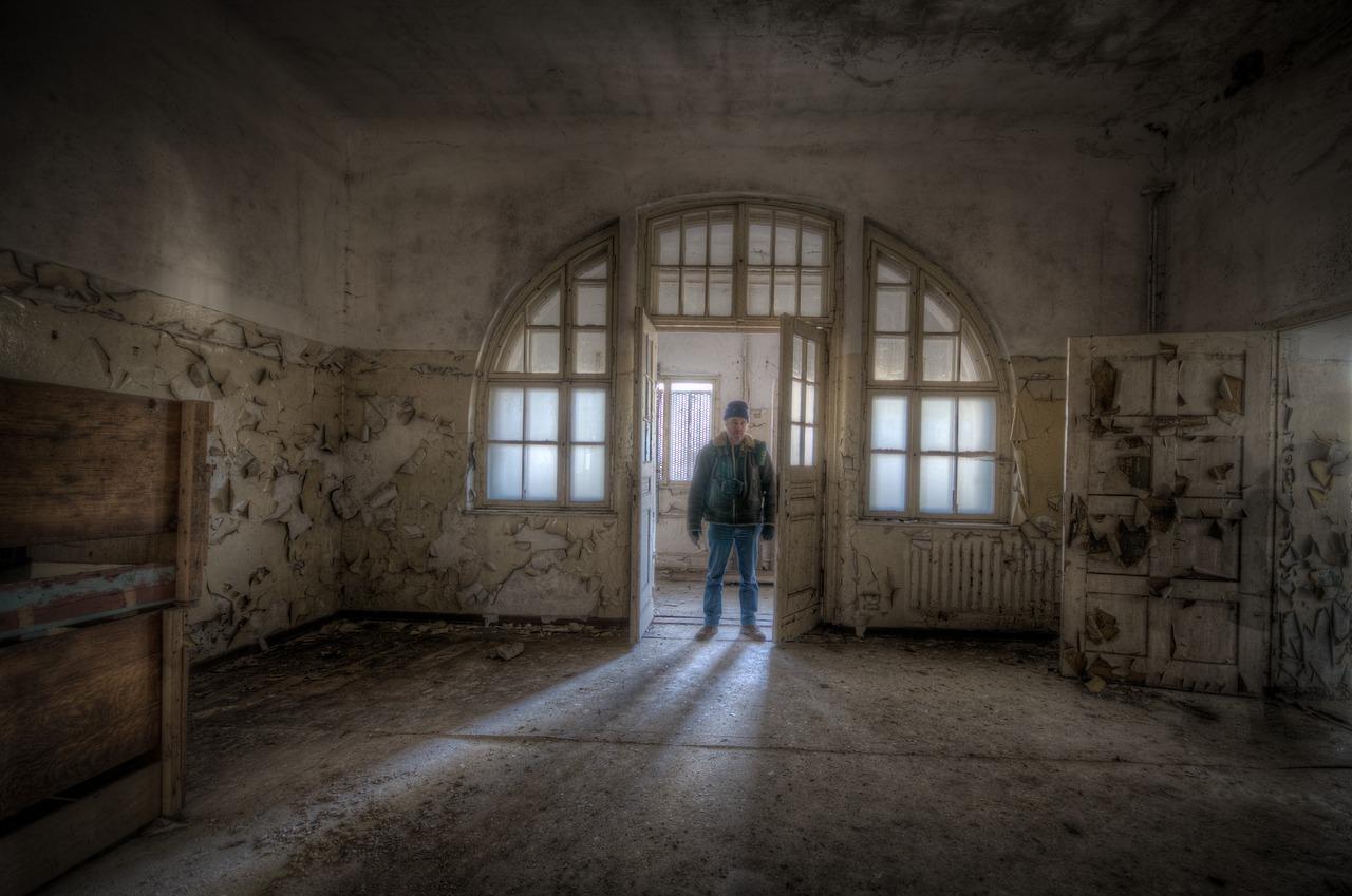 Rolling Hills Asylum - Photo