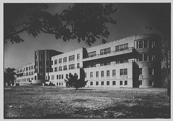 photo is black and white and of riverside hospital before it fell into ruin.